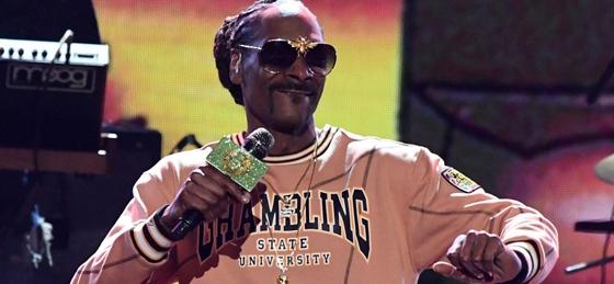 Kendertér - 48 szál gyertya helyett valami mással díszítették Snoop Dogg szülinapi ajándékát - 1571747708 image