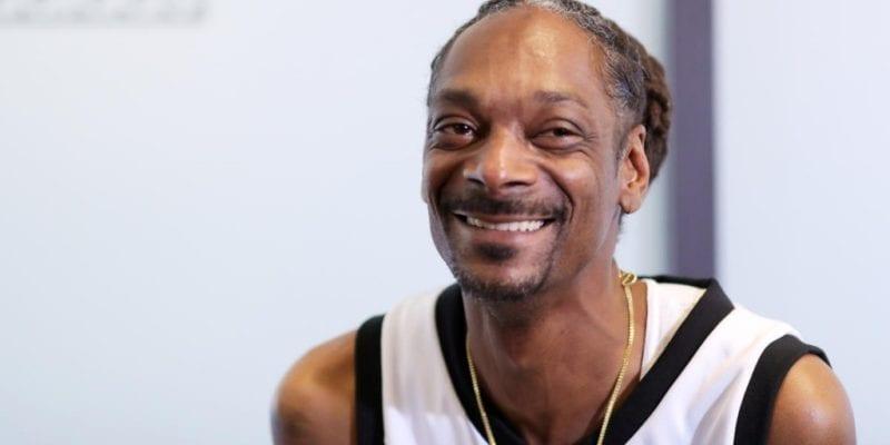 Kendertér - Egymillió forint körül keres havonta Snoop Dogg házi joint tekerője - snoop dogg gettyimages 919123654 2019 10 17 14 13 02 800x400