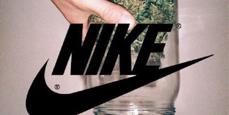 Kendertér - Marihuána tematikájú SB Dunk High lépőt dob ki a Nike 4/20 alkalmából - 3 1 2020 03 03 19 28 19 797x400