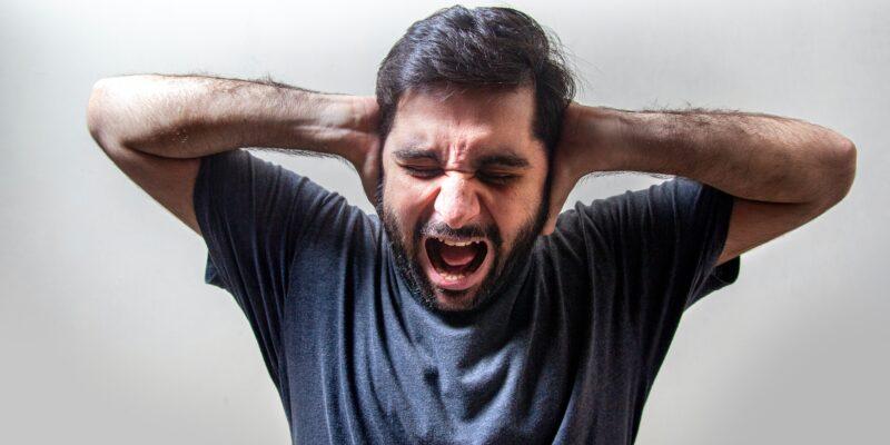 Új kutatás: tesztelik a kannabisz hatásait a migrénes fejfájásra